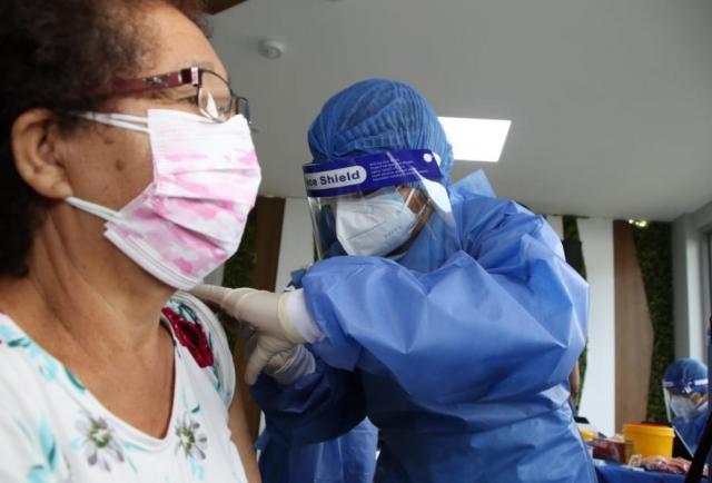 Ecuador suma 1.746 nuevos casos de covid-19 y acumula 457.489 y 21.545 decesos