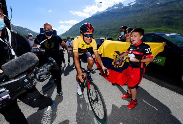 Richard Carapaz, con el 'leño rojo' para el Tour de Francia