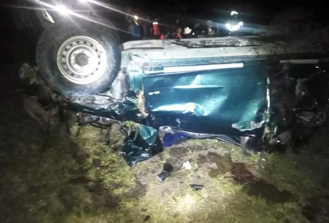 Volcamiento de camioneta dejó dos muertos y cuatro heridos en Chordeleg