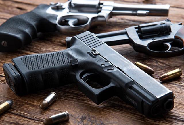 Ibarra: Le pegaba a su 'ñora' y era valentón con armas en la casa