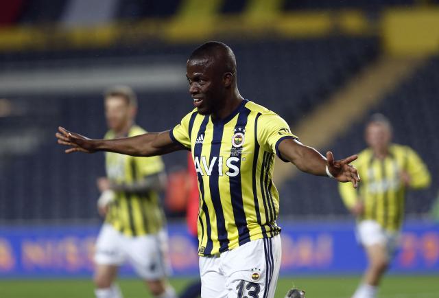 Enner Valencia se mandó un golazo en Turquía