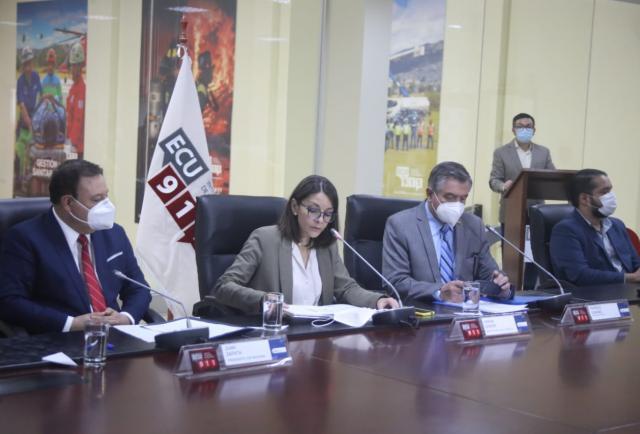 El COE Nacional autoriza el transporte interprovincial solo para los vacunados en El Oro