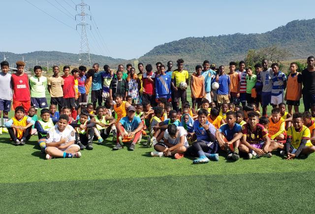¡Sueños de fútbol en Socio Vivienda 2!