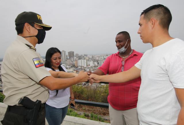 Si Marvel tiene a los Avengers, Guayaquil tiene a los... ¡'Vengadores' del pueblo!